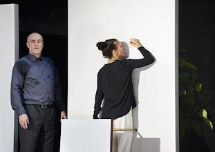 Photo: Wien/ Theater in der Josefstadt: KAFKA - EIN PROJEKT VON ELMAR GOERDEN. Premiere 25.4.2015. Regie: Elmar Goerden. Peter Kremer, Maria Köstlinger. Foto: Barbara Zeininger