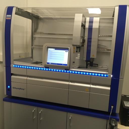 Automate d'extraction d'ADN QIAsymphony de QIAgen (CRB SAT))