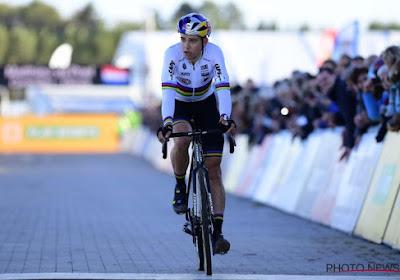 """Van Aert rapidement distancé par Van der Poel: """"Avec les jambes que j'avais, la deuxième place était le maximum"""""""