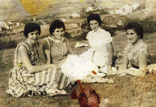 Photo: Curra, Ucos, Araceli y Carmina. 1953
