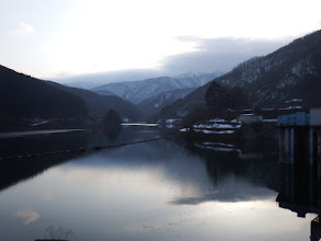 広野ダム(右奥が美濃俣丸、左に笹ヶ峰など)