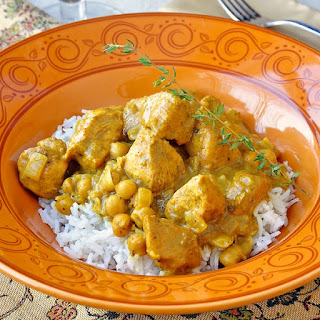 30 minute Easy Chicken Chickpea Curry.