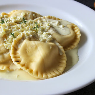 Creamy Chicken and White Wine Ravioli