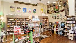 Bibabuk Librerías L ofrece una cuidada programación mensual para público en general.