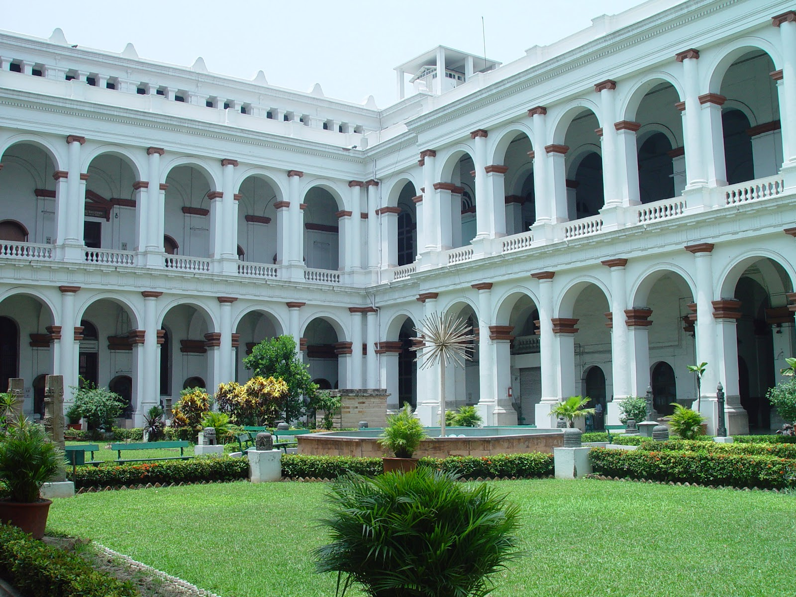 Ten Of The Most Beautiful Libraries In India