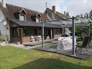 maison à Saint-Cyran-du-Jambot (36)
