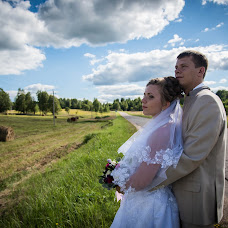 Wedding photographer Boris Nikanorenko (Bobnika). Photo of 18.08.2017