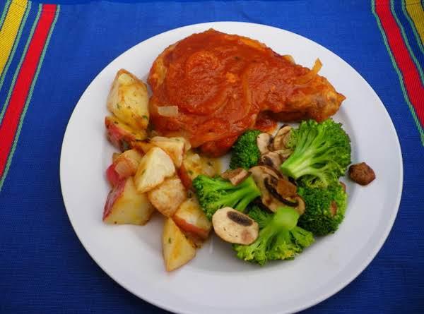 Eunice's Simmered Pork Chops