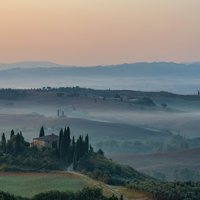 Tuscany by Andrea Magnani - Landscapes Sunsets & Sunrises ( atmosphere, valdorcia, foggy, sunrise, tuscany, landscape, andrea magnani fotografia )