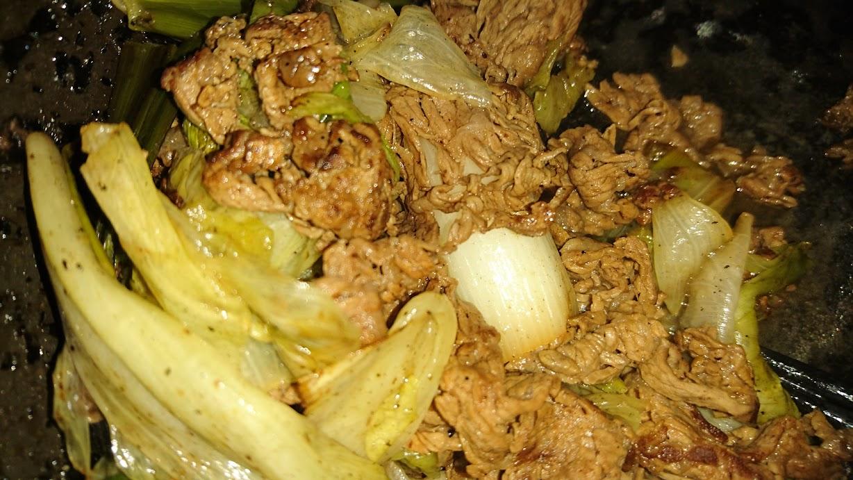 炊事に特別、気合が入っていた ある夜。炒め物と鍋物、両方作ったの。