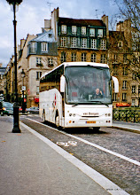 Photo: 2002-11-23. Parijs. Onze touringcar.  www.loki-travels.eu