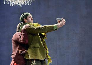 Photo: Wiener Kammeroper: GLI UCCELLATORI von Florian Leopold Gassmann. Inszenierung: Jean Renshaw. Premiere 22.3.2015. Julian Henao Gonzalez, Tobias Greenhalgh. Copyright: Barbara Zeininger