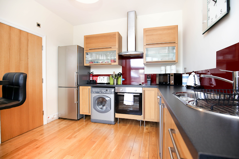 Fully equipped kitchen at Osborne Avenue