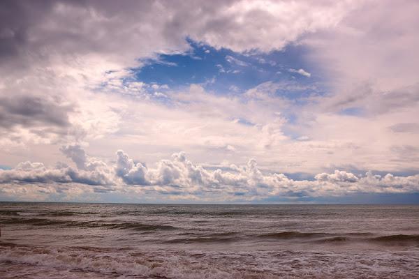 Il temporale colora il cielo e il mare di Mado88