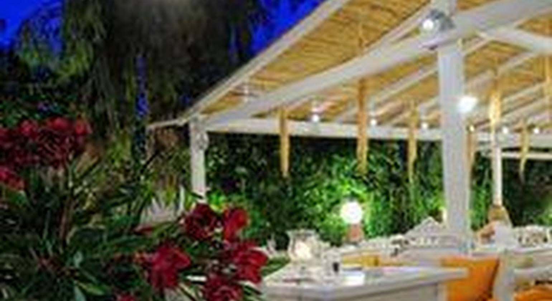 Drossia Lounge Studios & Gourmet Restaurant