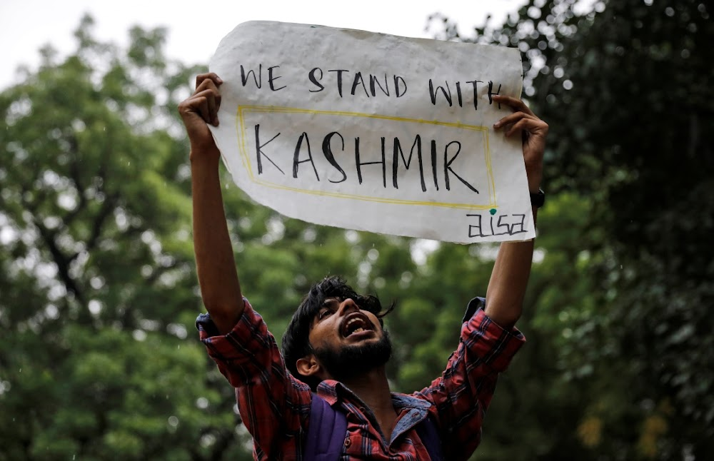 India scraps special status for Kashmir in step Pakistan