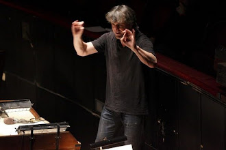 Photo: Ingo METZMACHER als Dirigent von AUFSTIEG UND FALL DER STADT MAHAGONNY an der Wiener Staatsoper (24.1.2012.). Foto: DI. Dr. Andreas Haunold
