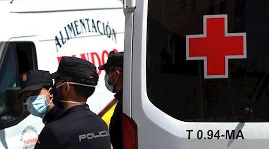 Aisladas 18 personas en Roquetas tras llegar en patera y dar positivo