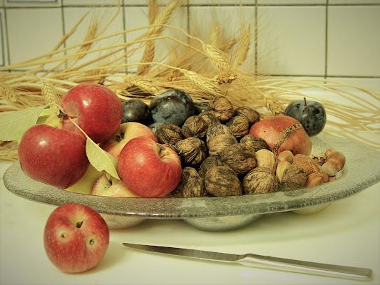 Maggio soleggiato, frutta a buon mercato. di Gero