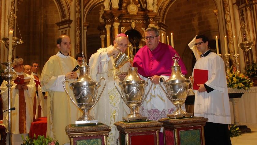 La Misa Crismal y las procesiones marcaron un gran Miércoles Santo