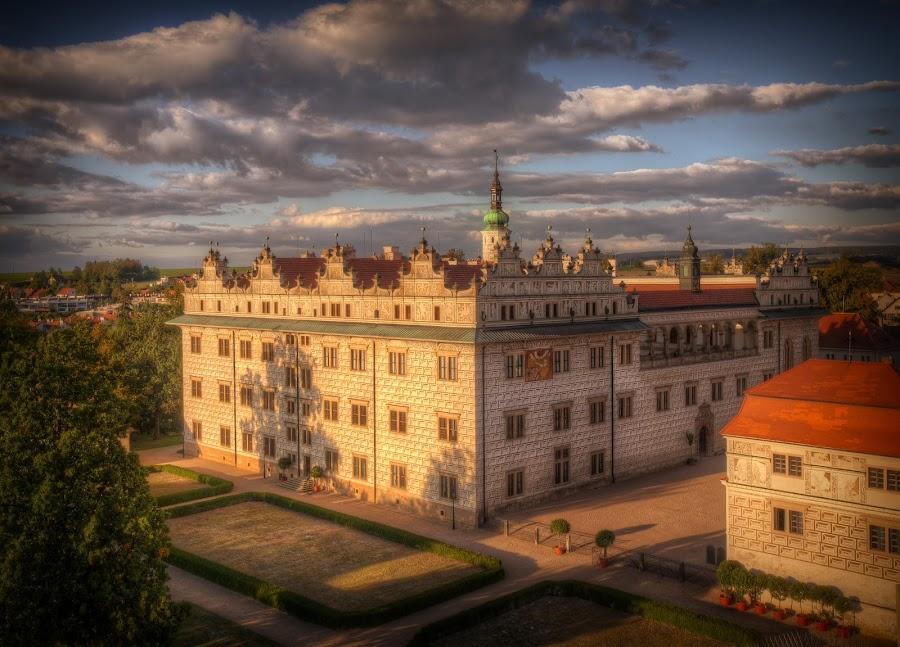 Litomyšl (CZ), Castle by Klaus Müller - Buildings & Architecture Public & Historical ( clouds, litomysl, czech republic, castle, historic,  )