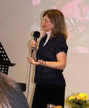 """Photo: 2011. április 16-án tartottuk tavaszi női teadélutánunkat, """"Tavaszi átváltozás""""címmel. Az előadó Pintérné Pálosi Eszter volt, az MPE országos Női Missziójának vezetője."""