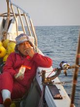 Photo: 「むしゃむしゃ、海で食うメシはうまかね~」・・・お菓子では?