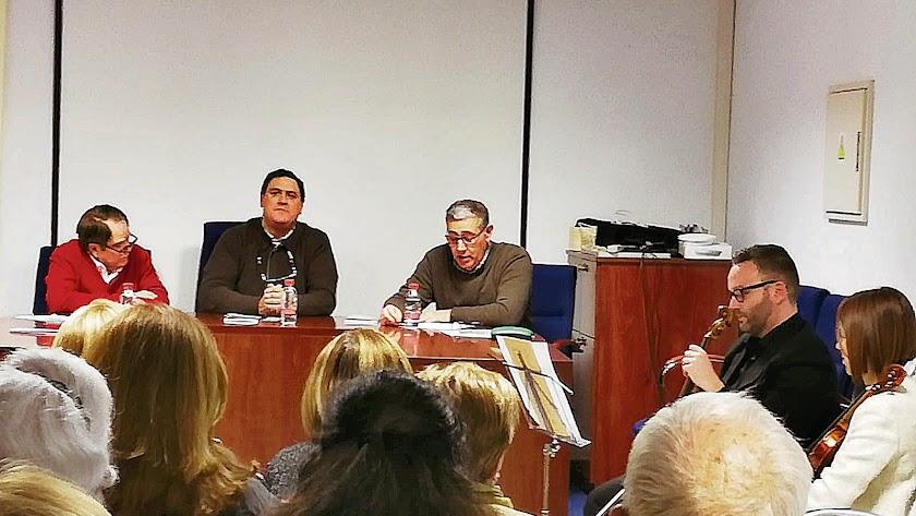 Presentación de 'Gadea' con Domingo Nicolás, FranciscoAlonso, José Antonio Sáez y el Dúo Indálico.