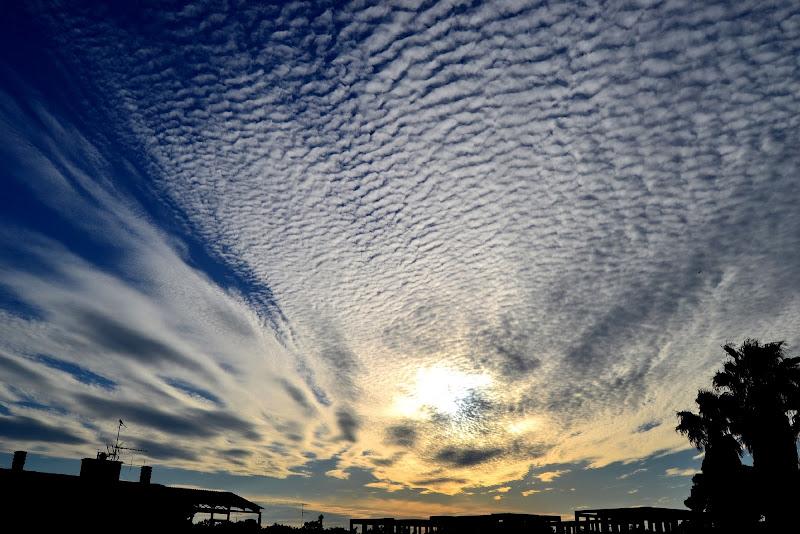 il silenzio assordante delle nuvole di giride