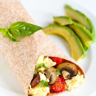 Breakfast Egg Wrap with Bacon, Mushrooms & Tomato