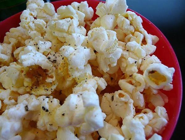 Ellen's Yummy No-salt Popcorn Recipe