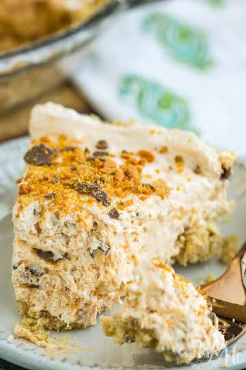 Epic No-Bake Butterfinger™ Cheesecake from #callmepmc is the perfect #dessert!