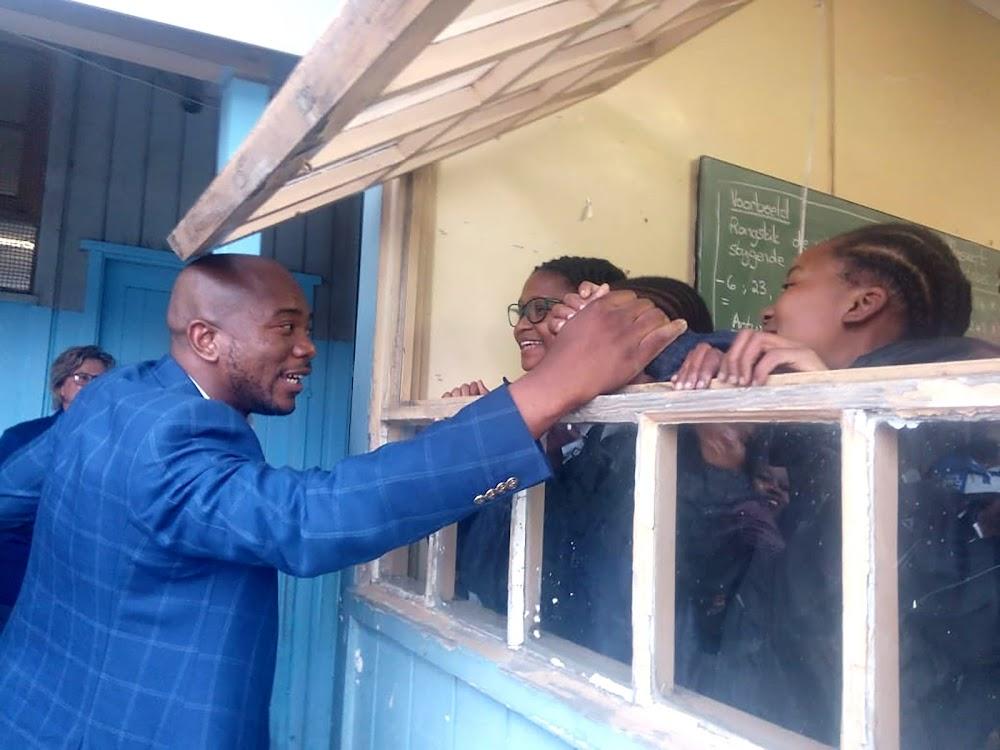 Ek gaan nêrens nie, sê selfversekerde, rustige, onbevange Mmusi Maimane - SowetanLIVE