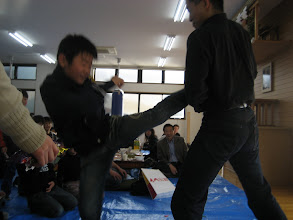 Photo: 少年部も蹴る!