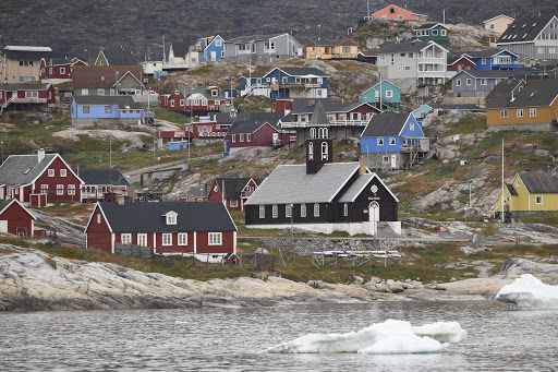 Ponant-Greenland-village.jpg - Visit the picturesque coastal villages of Greenland on a Ponant cruise.