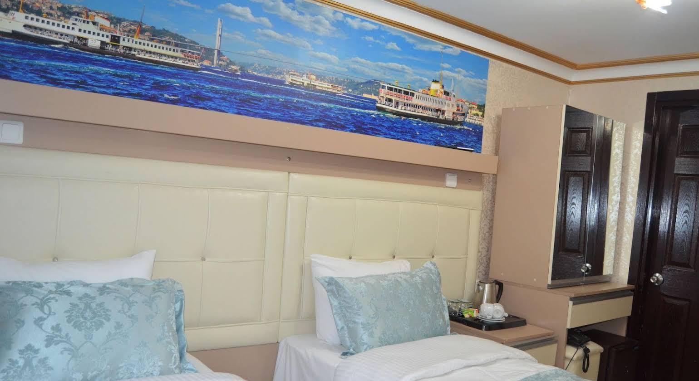 Ocean's 7 Hotel