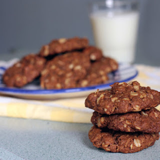 Vegan Oatmeal-Pecan Cookies
