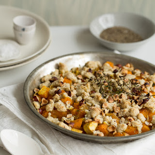 Savory Crumble Pie with Pumpkin, Apple and Thyme