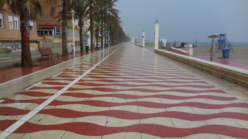 Tormentas y fuerte viento en Almería