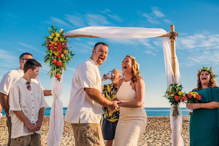 Fotógrafo de bodas Tomas Barron (barron). Foto del 10.04.2017