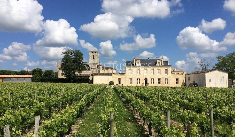 Castle Le Taillan-Médoc