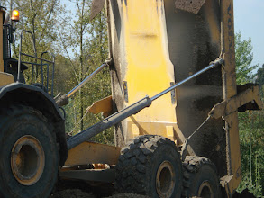 Photo: Dumper kipt tot 90 °