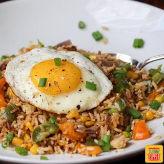 Chicken and Pepper Rice with Fried Egg #SundaySupper