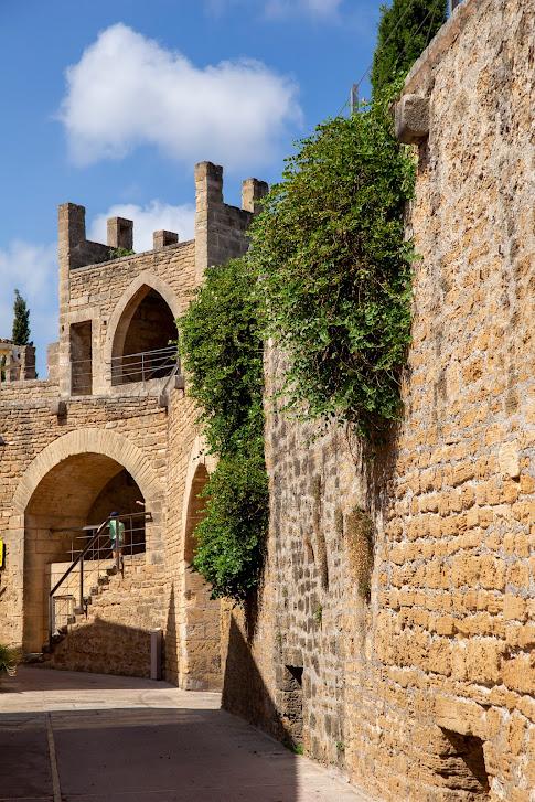 średniowieczne mury