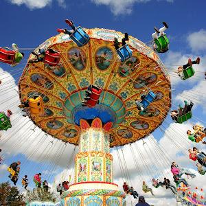 Burian amusement ride.jpg