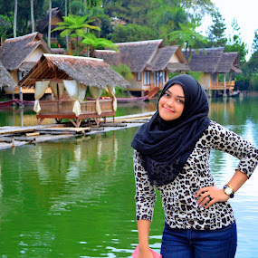 Beauty Lake by Muhammad Zein - People Portraits of Women ( garut, indonesia, women, beautiful, woman )