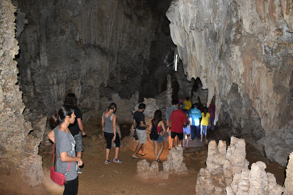 Explore Pra Kay Petch Cave in Khao Sok National Park
