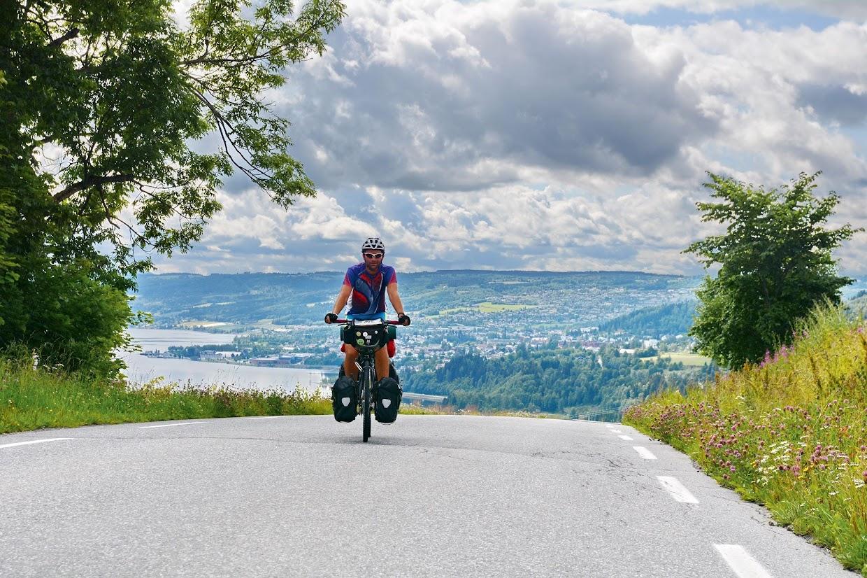 45-days-nomadic-biking-img16-biker-road
