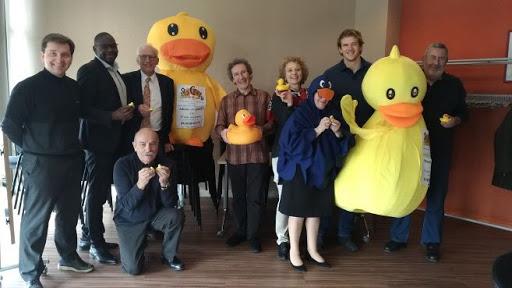 L'équipe de la Duck Race du Puy-du-Dôme avec  les associations bénéficiaires !