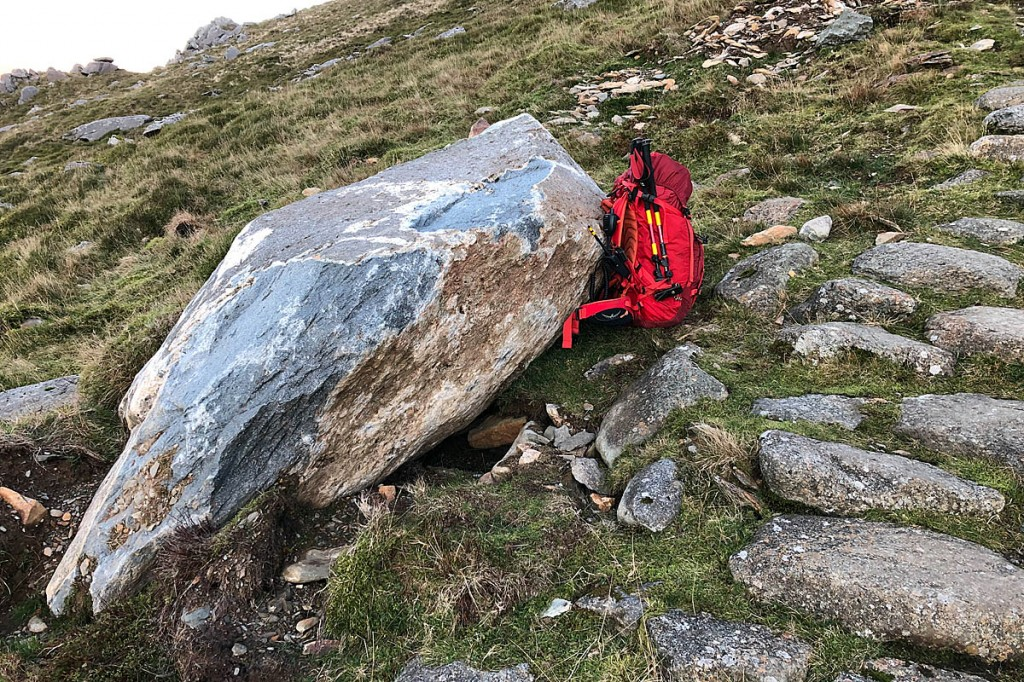 The boulder and debris from an earlier fall in the Western Gully. Photo: Chris Lloyd/Ogwen Valley MRO